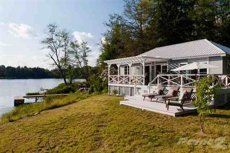 This Is Quite The Swanky Lakefront Property ...