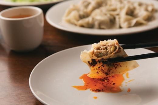 FOOD_Pork-dumpling-slathered-in-spicy-sauce-2