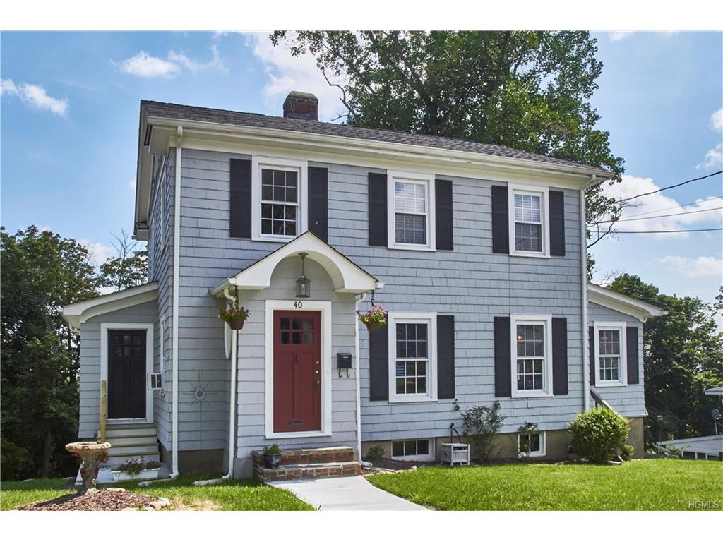 Surprise This Orange County Colonial Has A Gleaming