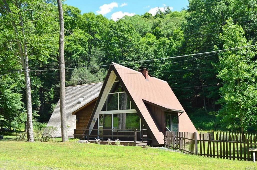 Orange County A-Frame Mid-Mod Cottage with a Backyard Cabana ...