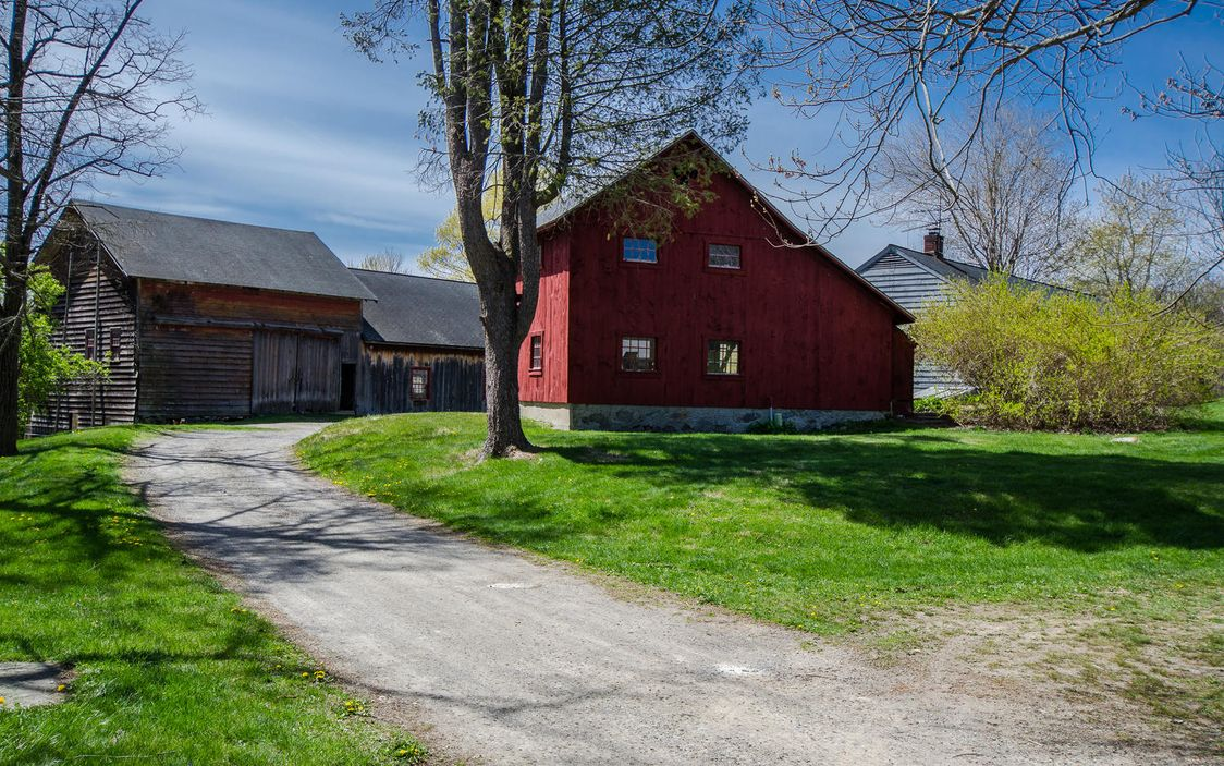 Former Wagon Making Farmhouse 100 Acre Farm In Clinton