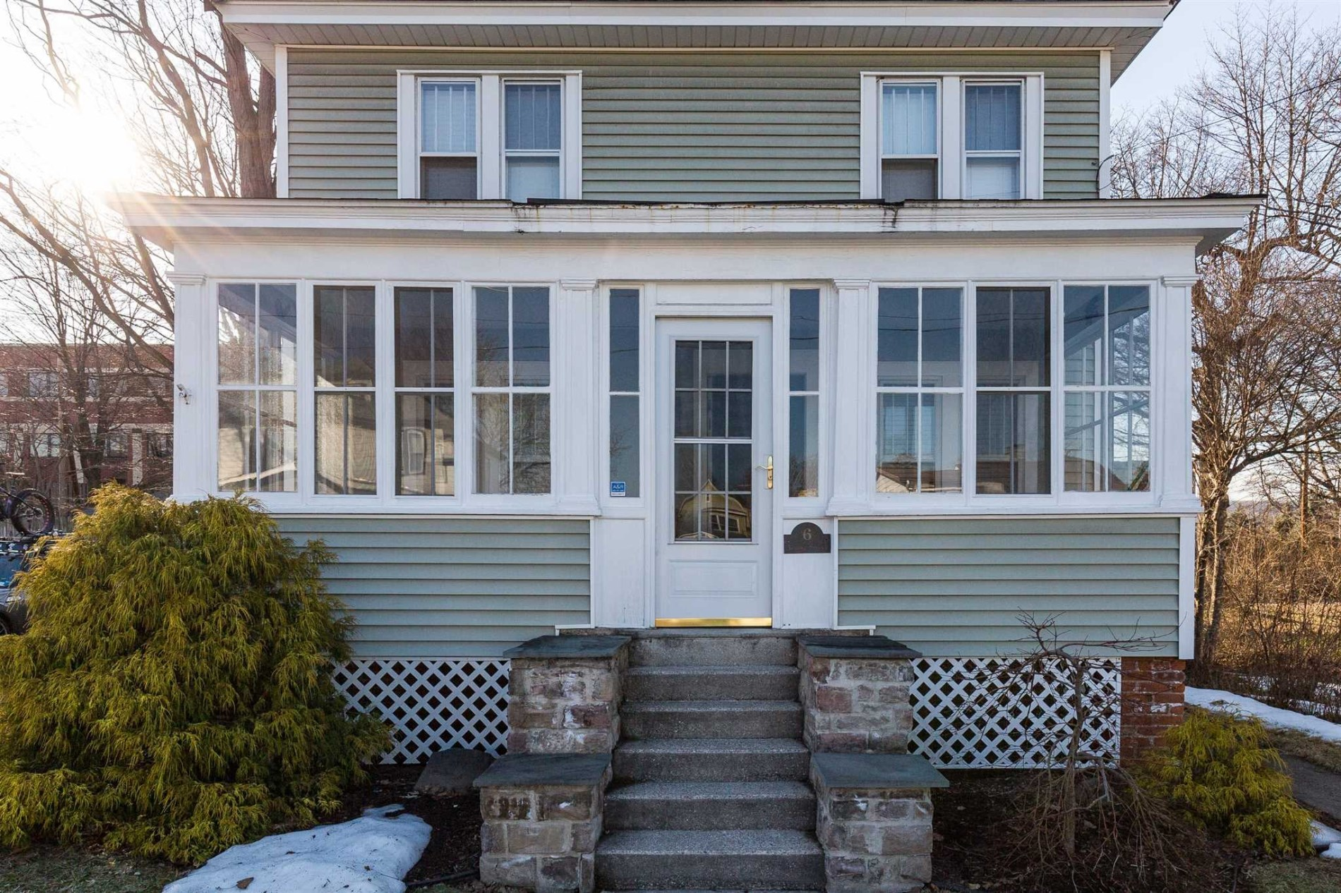 Poughkeepsie City American Foursquare With An Updated Interior 220 000 Upstater