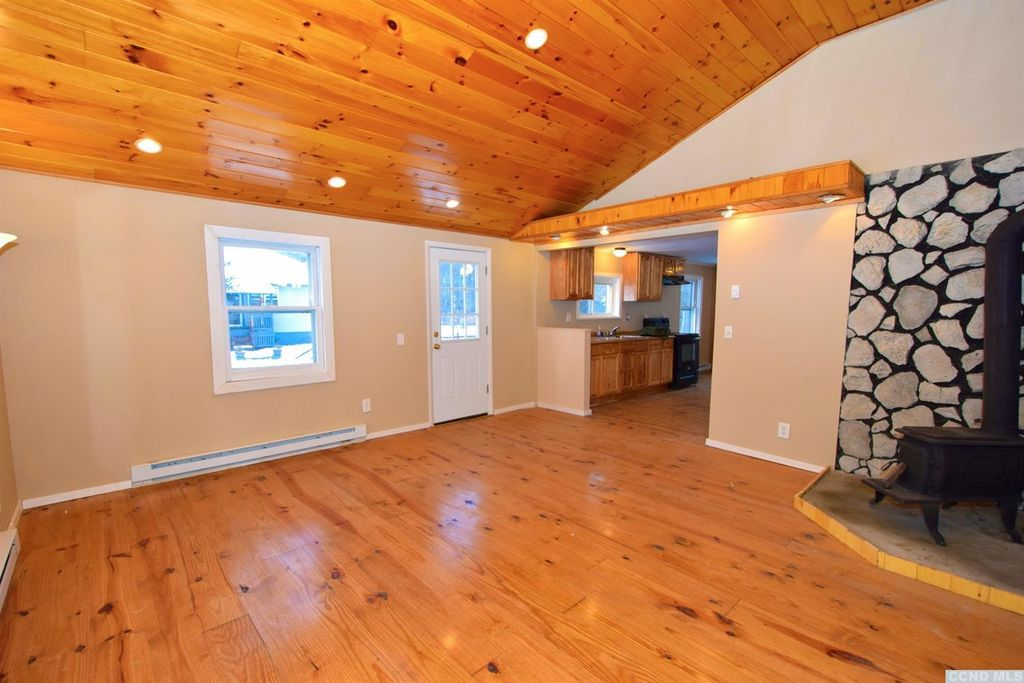 northern Catskills cottage for sale
