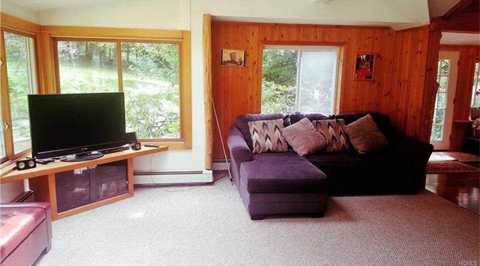 Carmel Kent Lakes NY Ranch For Sale