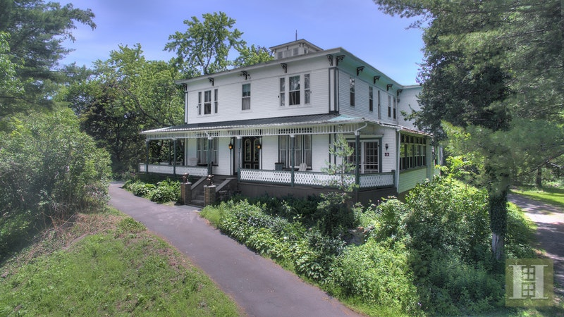 catskill mountain inn for sale