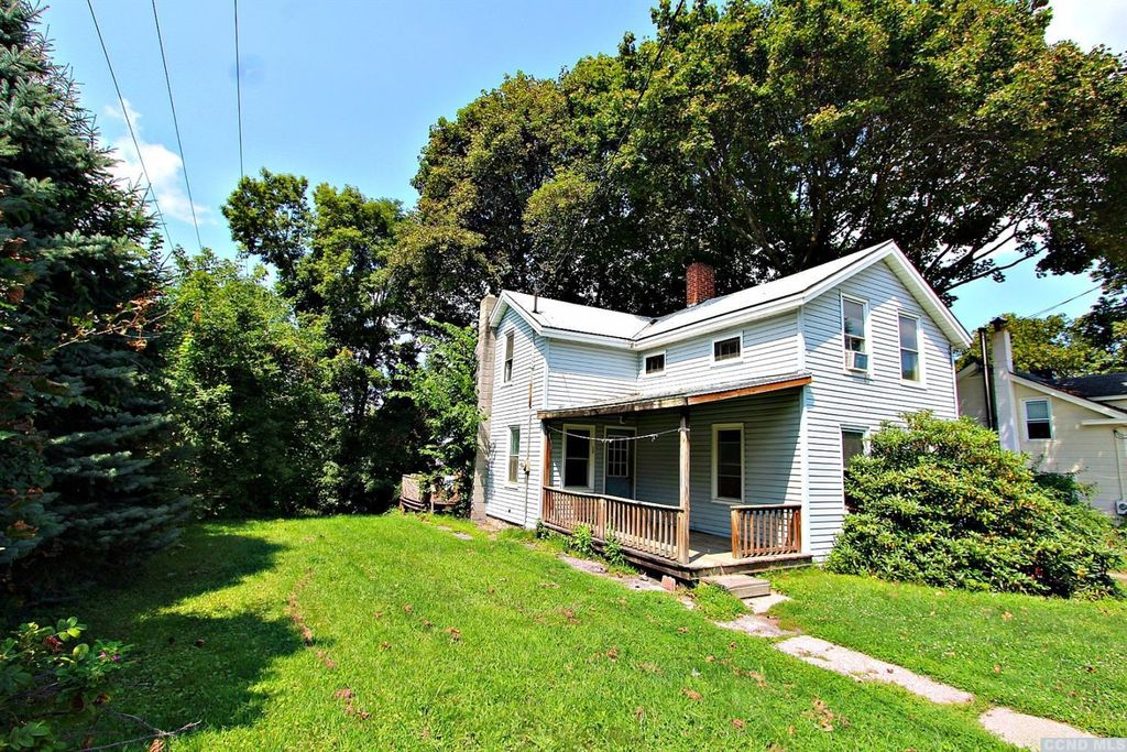 Columbia County NY farmhouse for sale