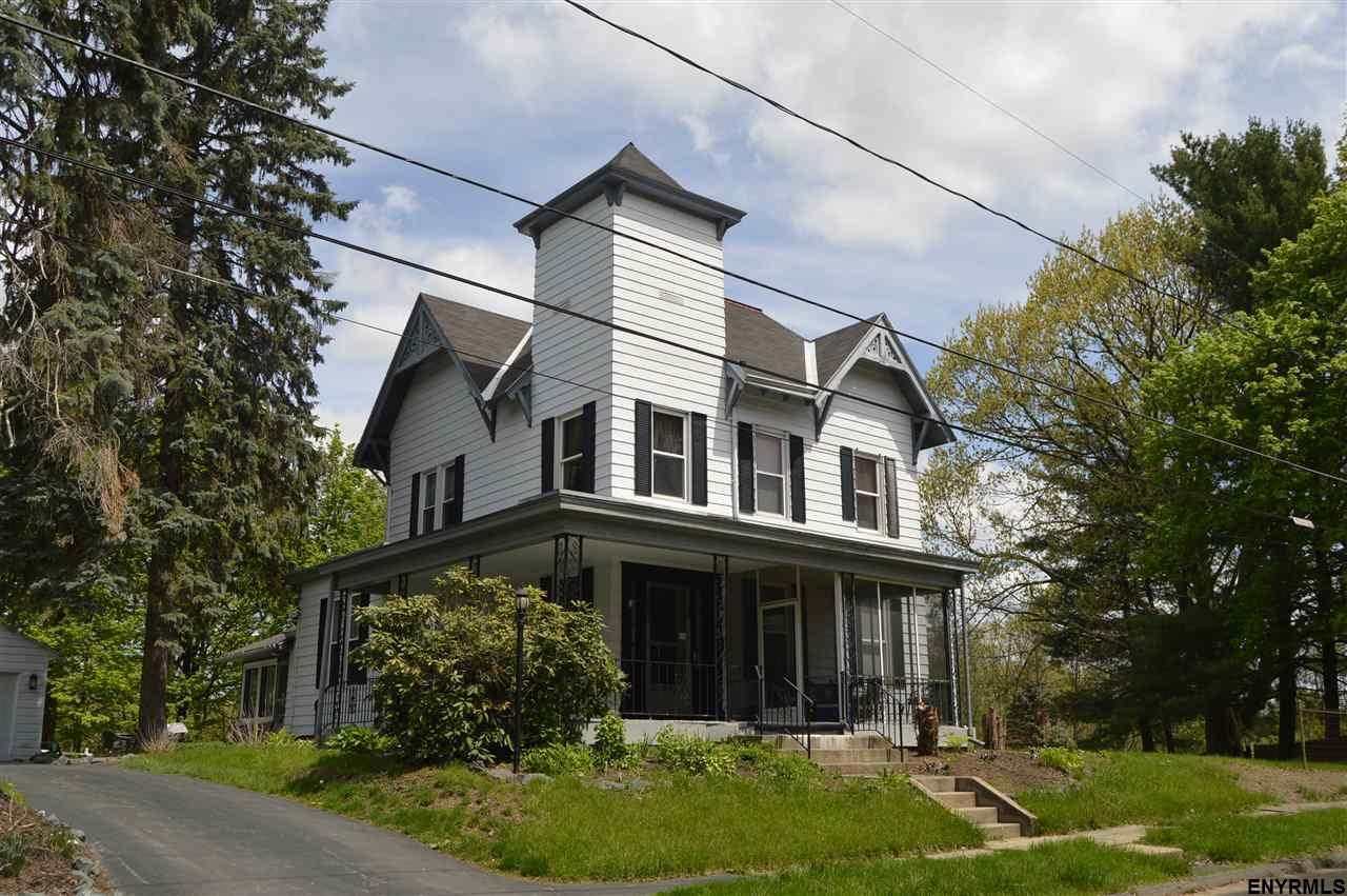 Low priced victorian house troy ny hudson valley rensselaer county for Spring garden troy ny