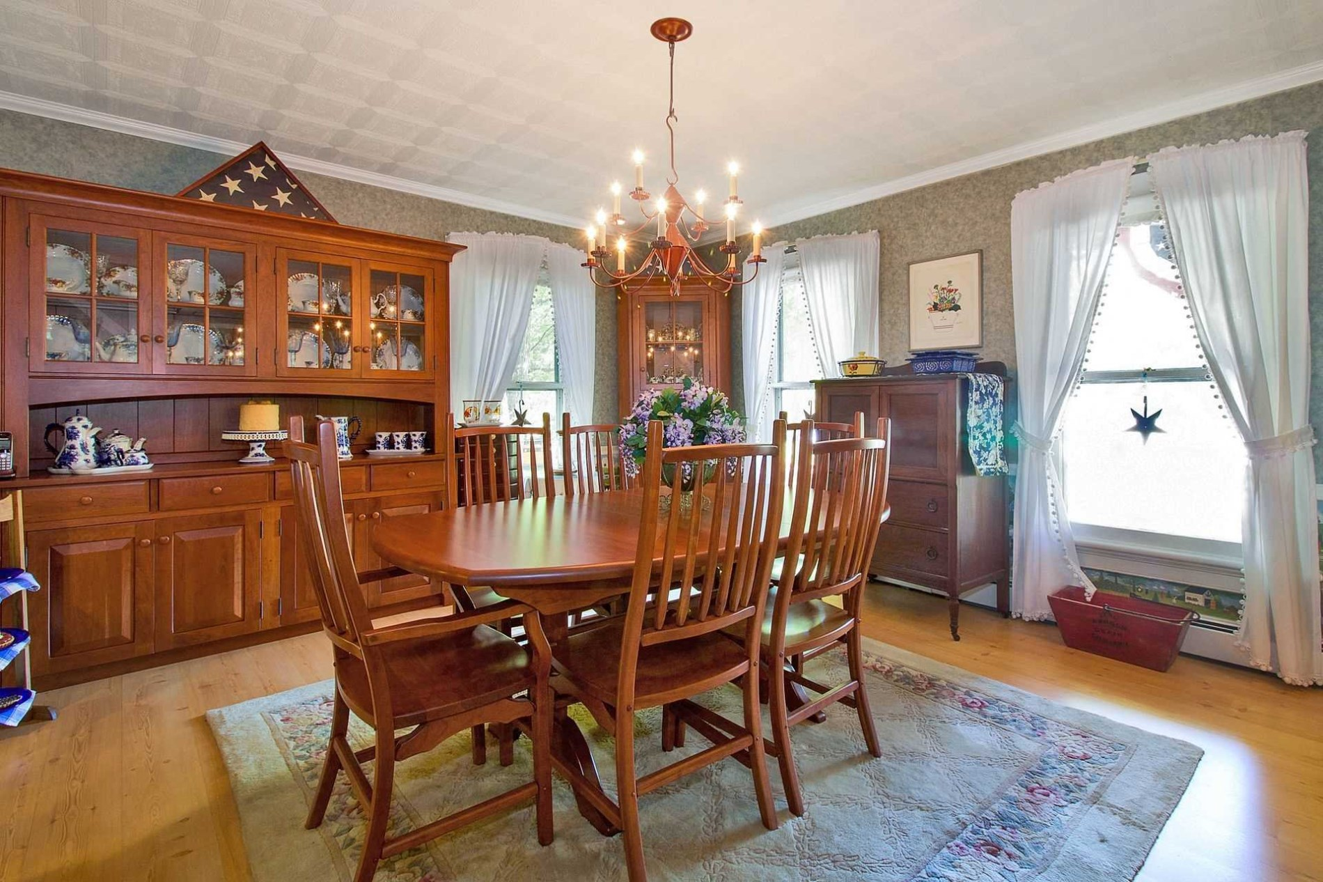 Check Out The Adjacent Dining Room Oh Wait Make That Two Rooms With A Smaller Breakfast Nook In Kitchen