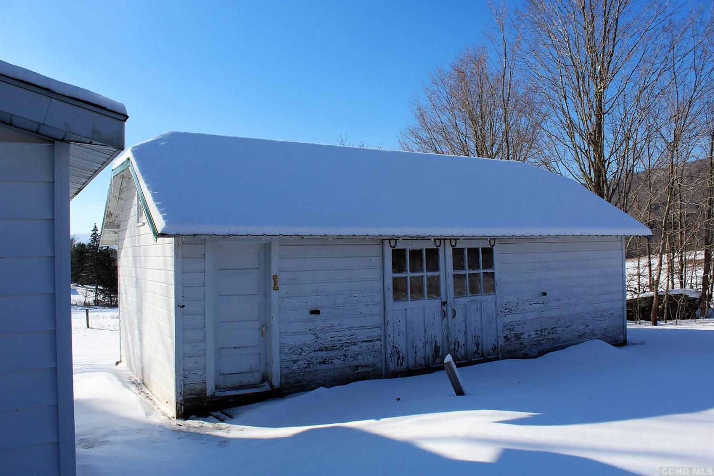 windham mountain three-bedroom farmhouse