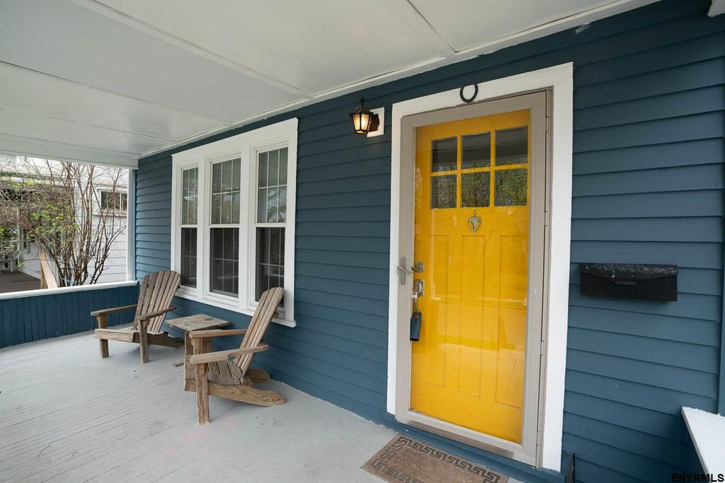 Albany Three Bedroom Cottage Located Near Suny Albany College Of Saint Rose
