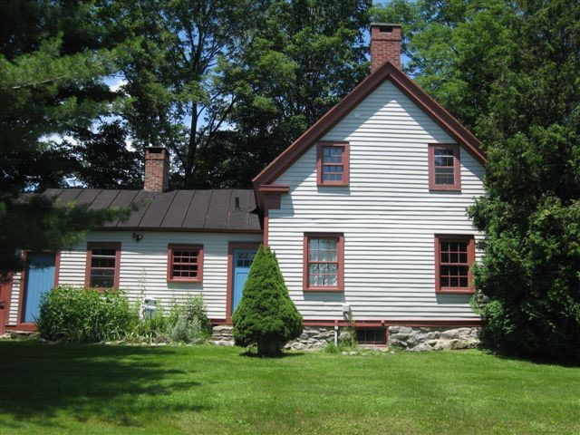 Dutch Colonial Farmhouse In Austerlitz 349 000 Upstater