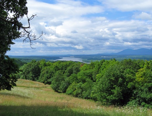 View_of_Hudson_and_Catskills_from_Olana