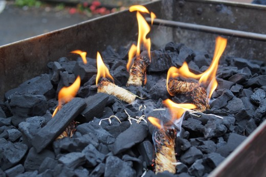 Charcoal-barbecue-lighters