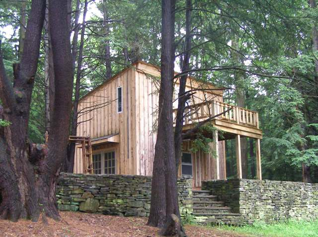 Live A Grid Free Life In This Piney Catskills Cabin