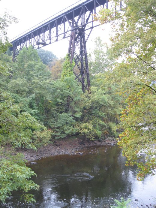 Rosendale_trestle_and_Rondout_Creek_from_New_York_State_Route_213