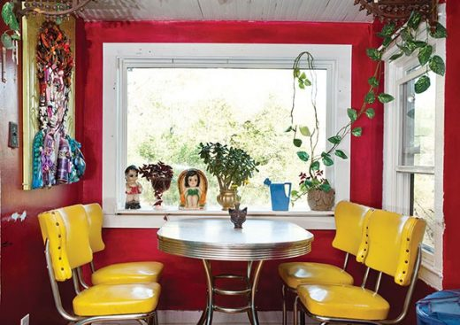 house_yellowtable