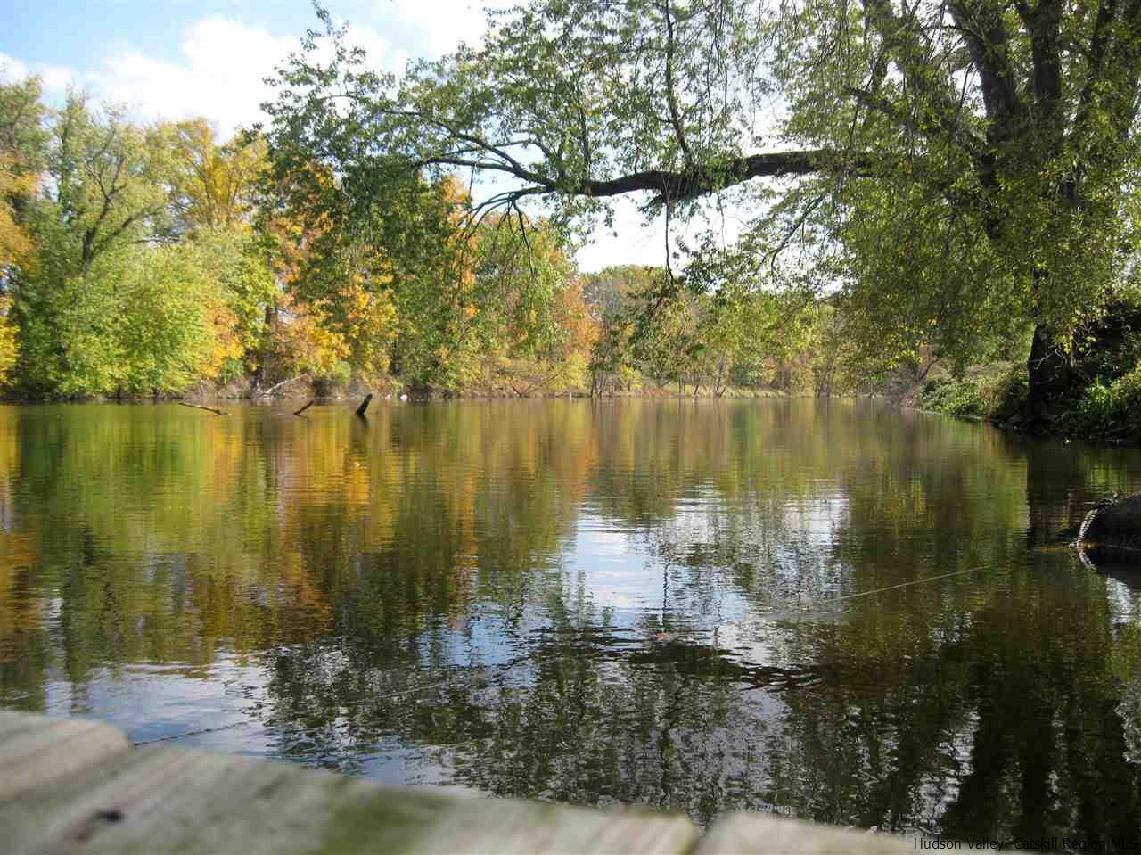 Sprawling Cape Cod On The Wallkill River Between Rosendale