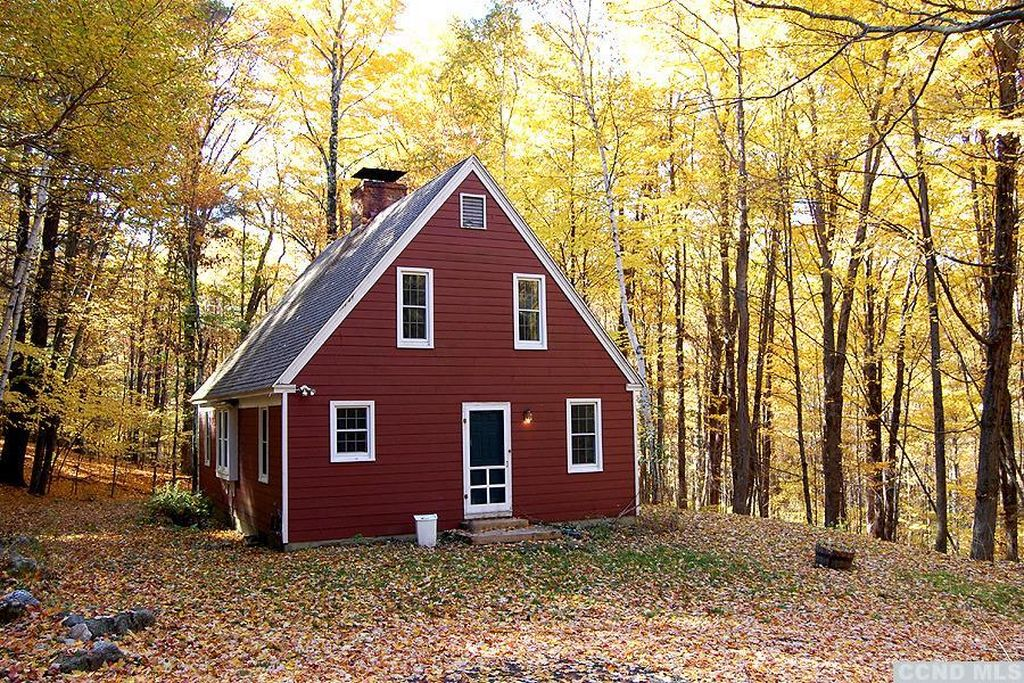 Columbia County Cape Cod Cottage In The Woods 249 500