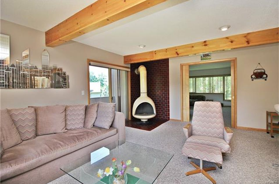 Dutchess County NY Lakefront House For Sale
