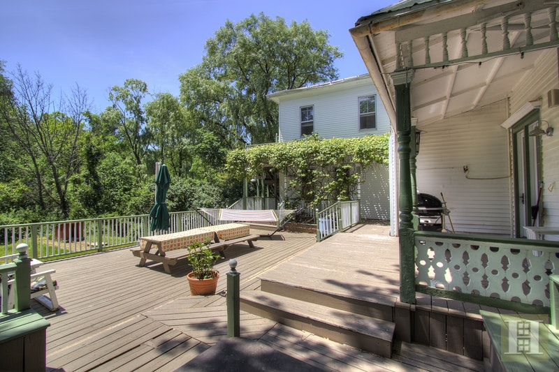 catskill mountain inn for sale