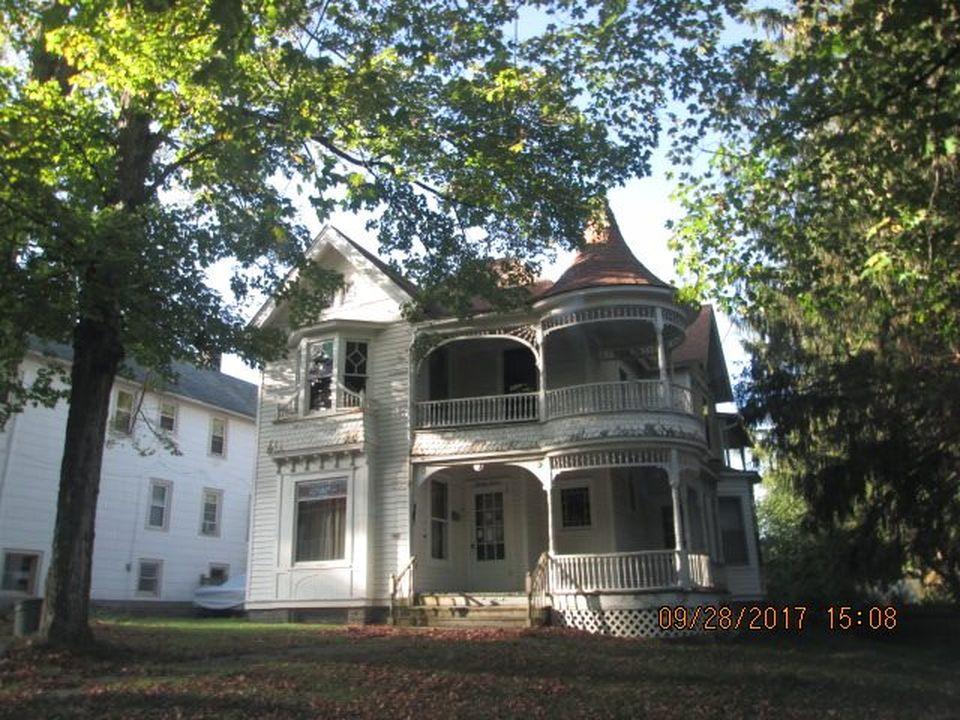 Liberty NY Victorian foreclosure