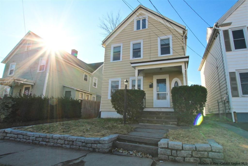 kingston ny three bedroom house
