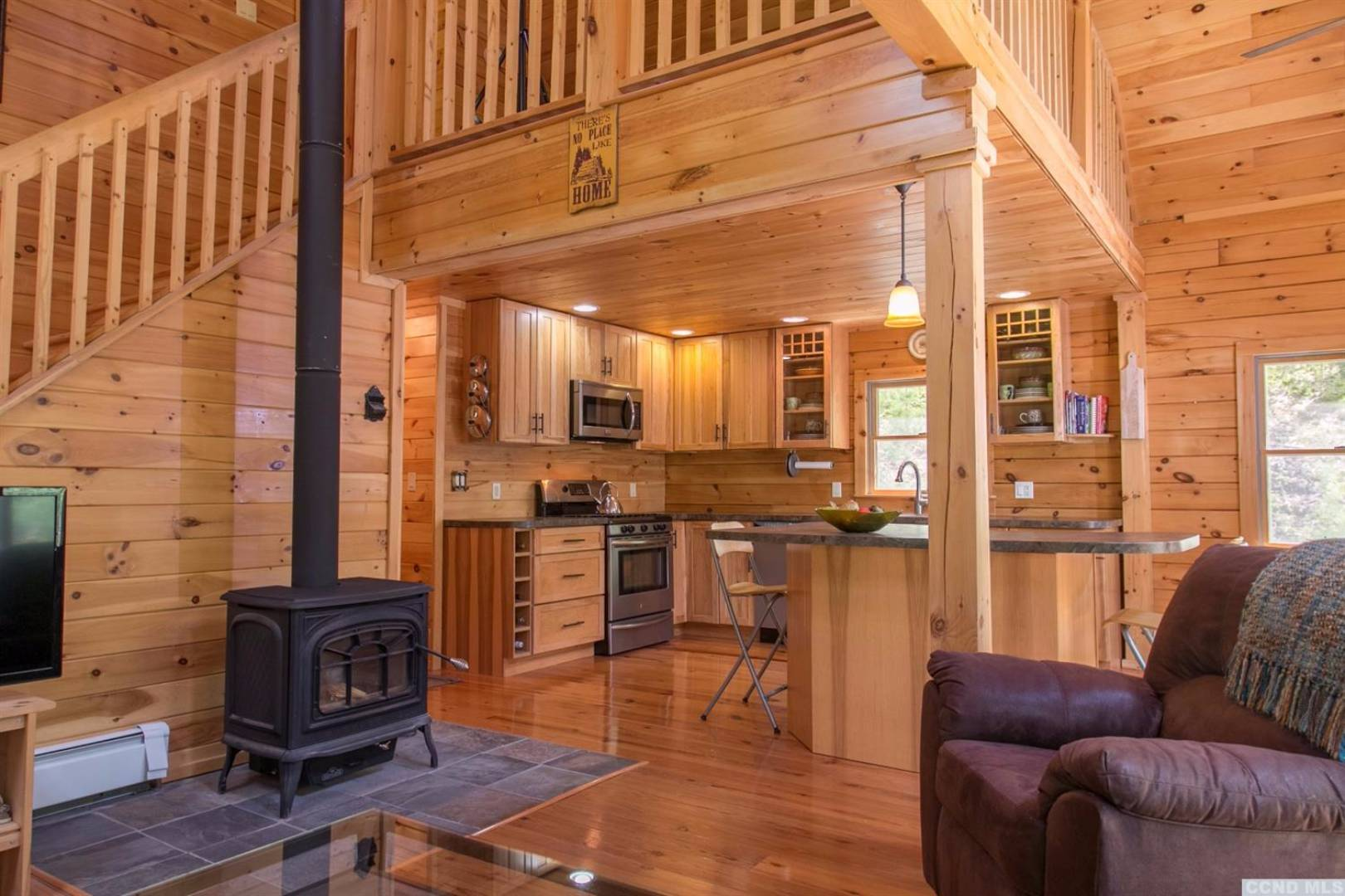 Columbia County Log Cabin With Crisp And Clean Interior On 5 Acres Of Land
