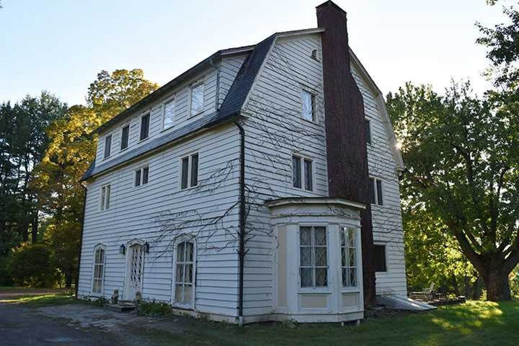 Rhinebeck Ny Dutch Colonial House With Lots Of Fireplaces