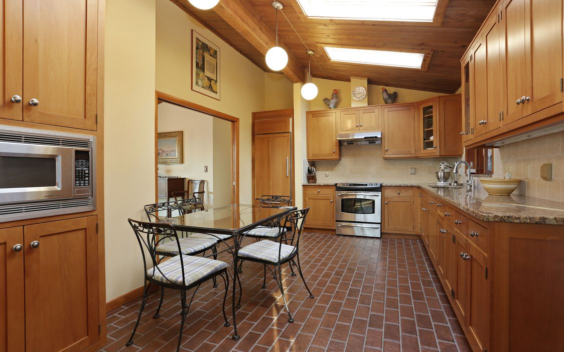 Image of: Mid Century Modern Ranch In Garrison Ny With Vaulted Ceilings