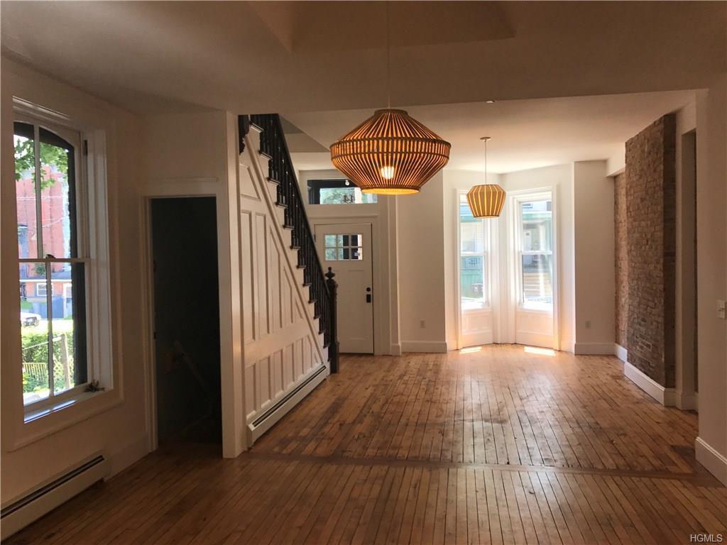renovated newburgh rowhouse