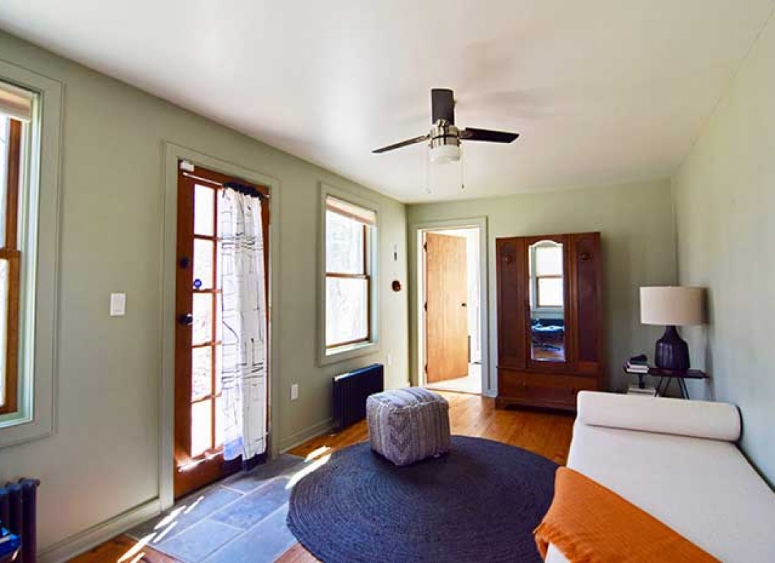 Office Guest Room Ideas That Give You More Bang For Your Us Buck: Rhinebeck Cottage On An Acre Of Land, 10 Minutes From