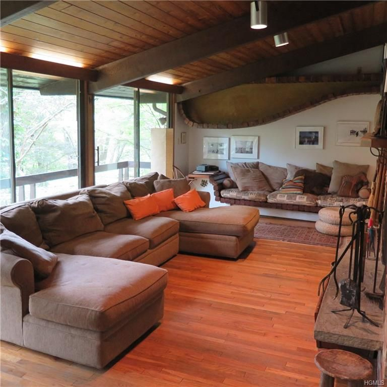 Cold Spring Contemporary Bungalow On 26 Acres Of Land