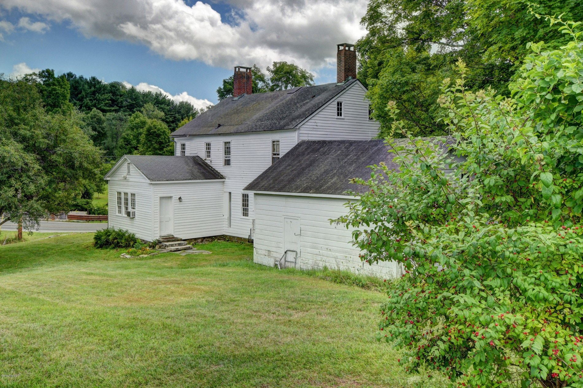 western massachusetts farmhouse