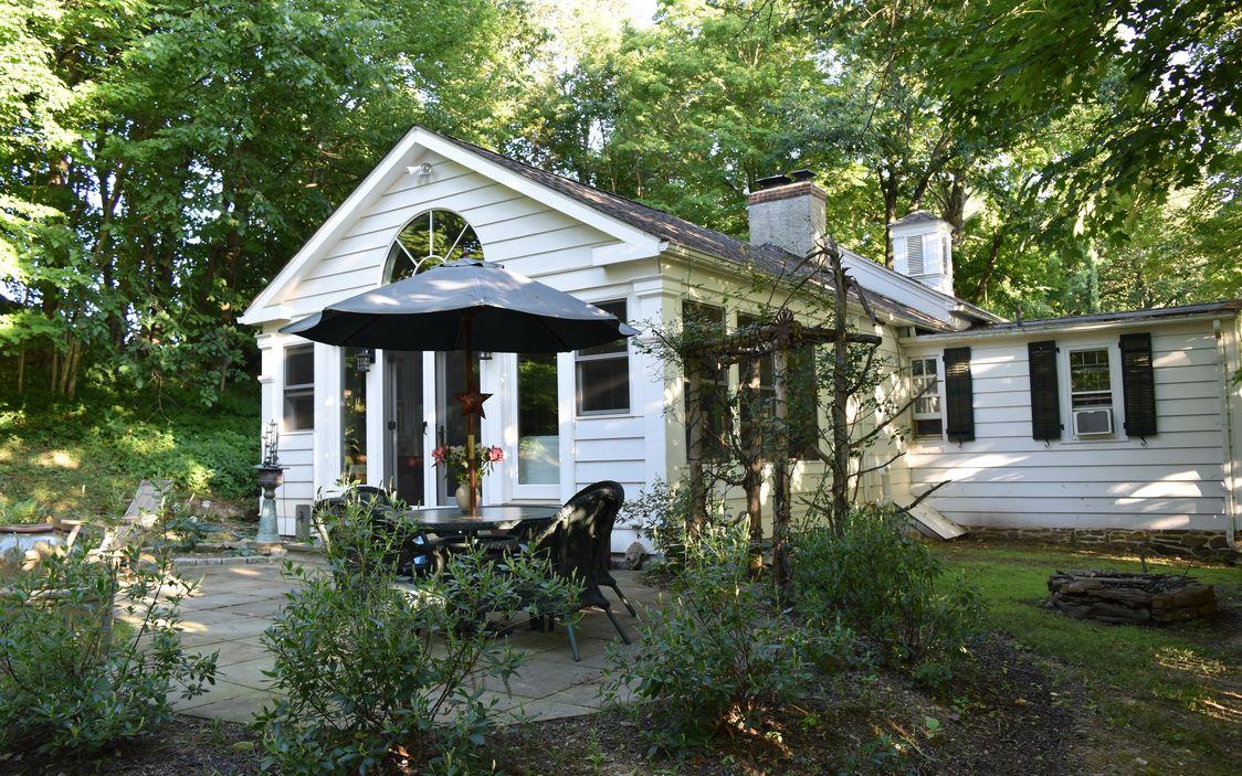 rhinebeck school house