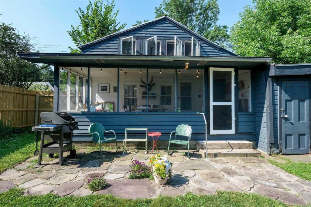 1800s cottage
