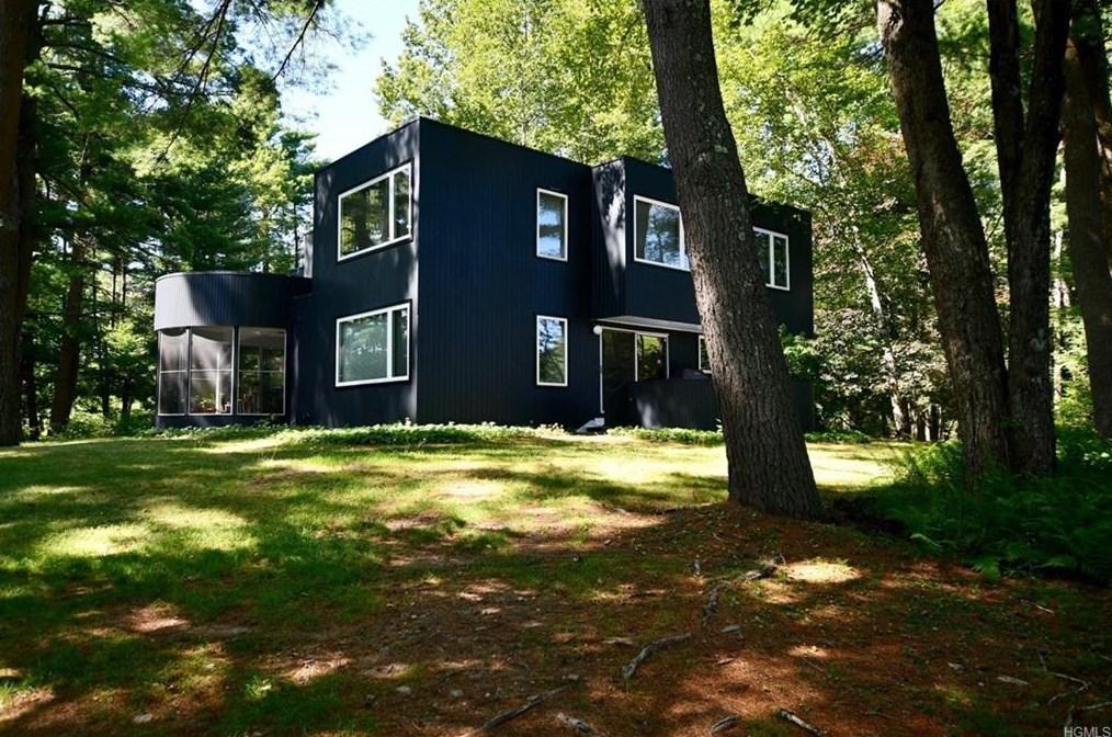 forestburgh contemporary