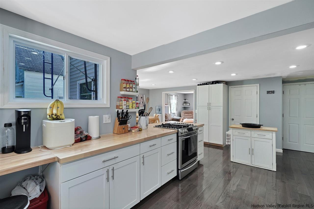 Ulster Farmhouse Comes With Remodeled 1 800 Square Foot