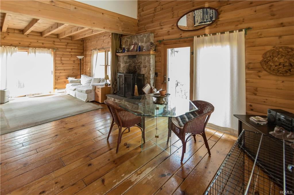 wallkill log home