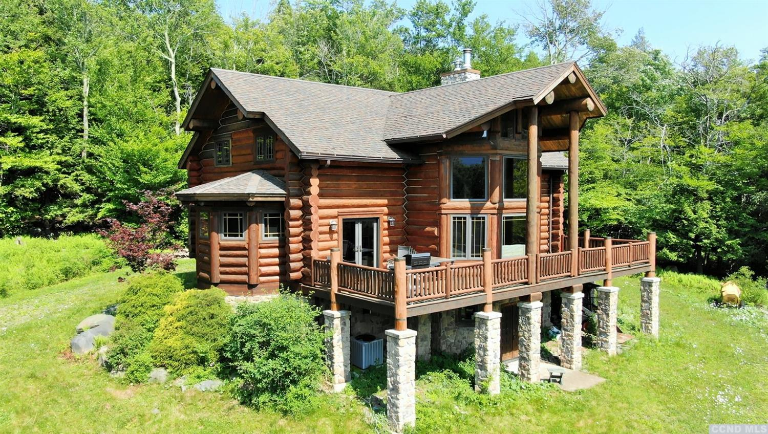 custom log cabin