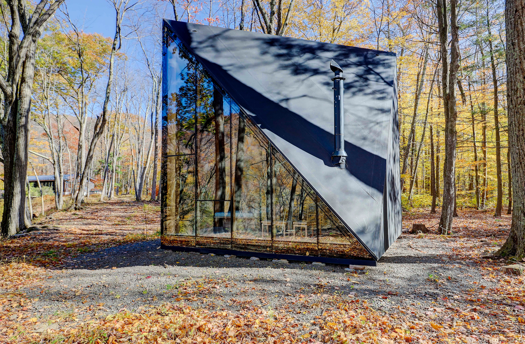 "This compound in the Catskill Mountains has two ""tiny cabins"" for guests to stay at"