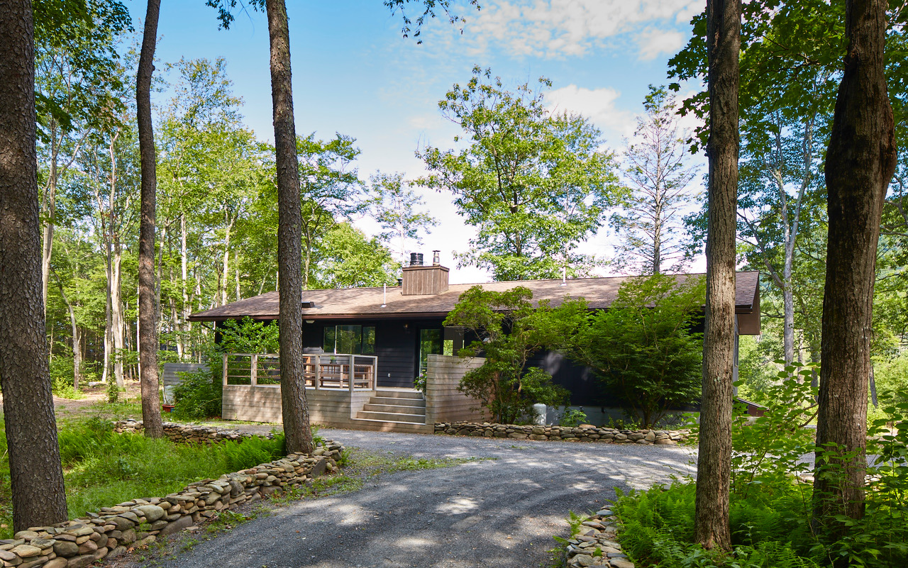 Compound in the Catskill Mountains