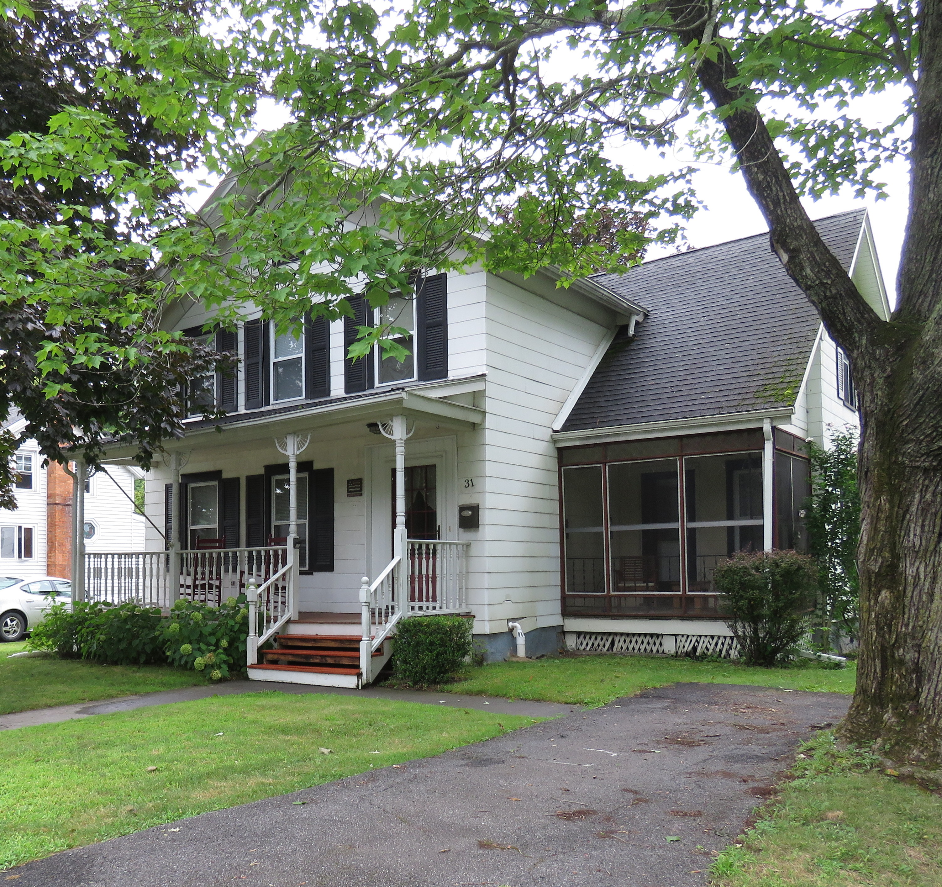 coxsackie colonial