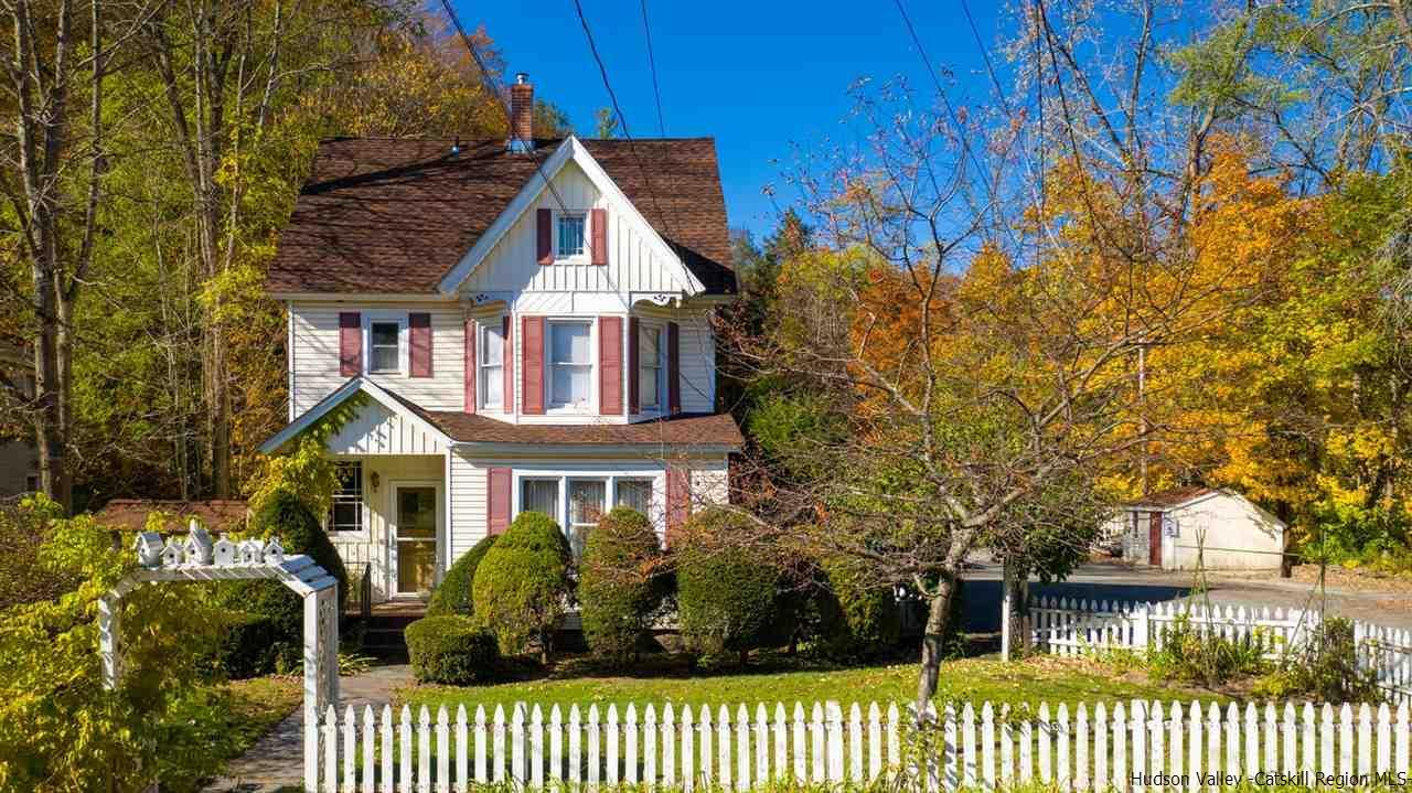 1900s victorian home