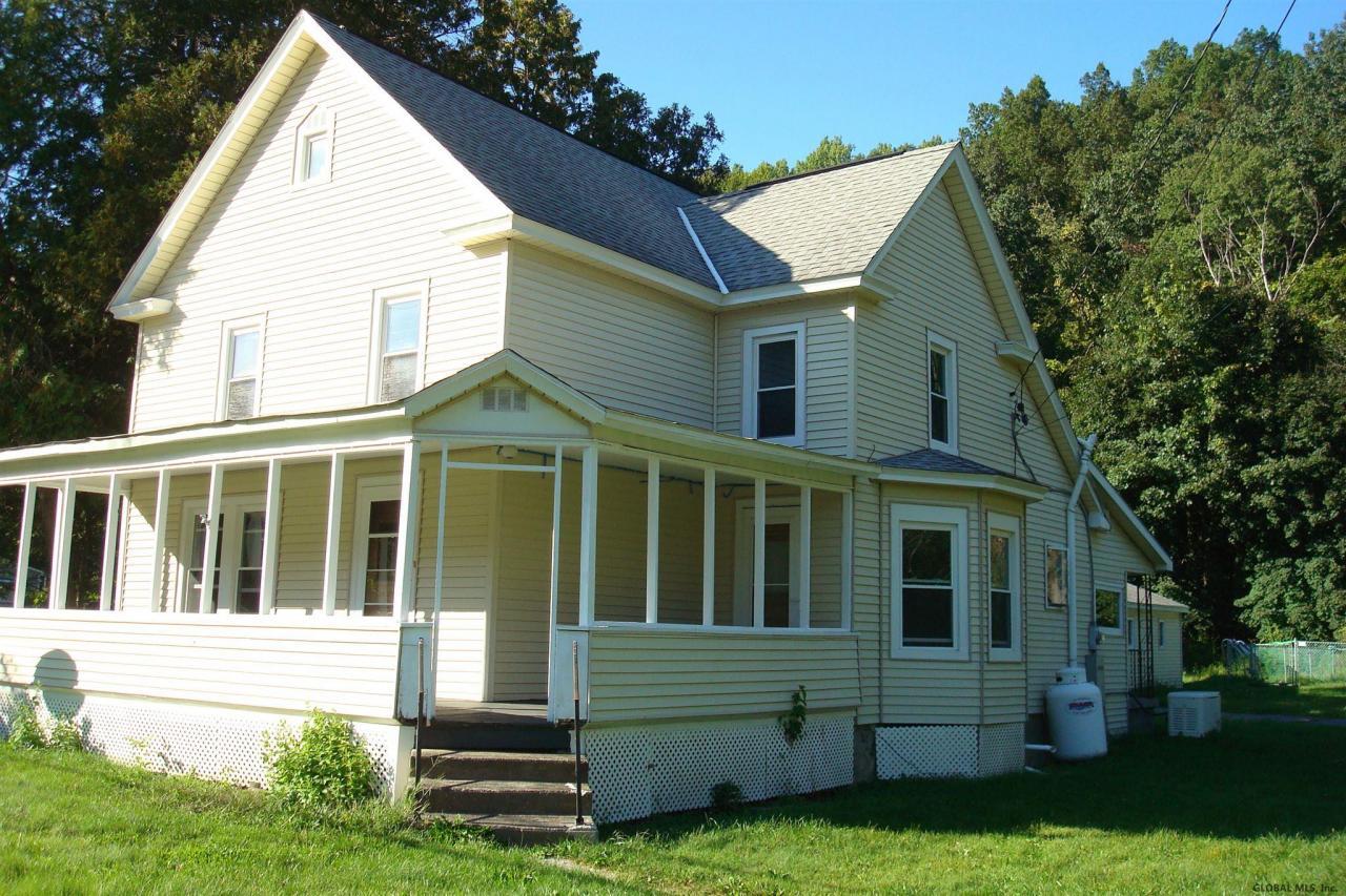 albany county farmhouse