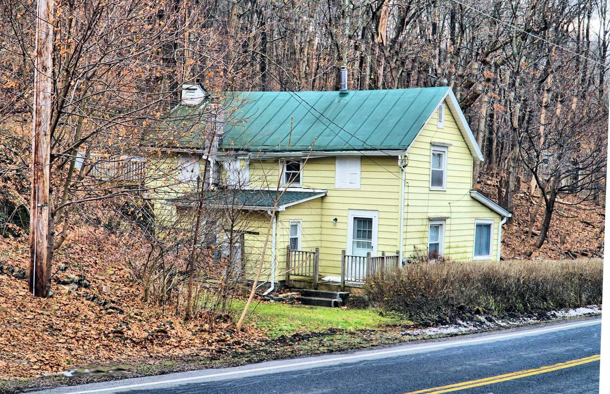 red hook cottage