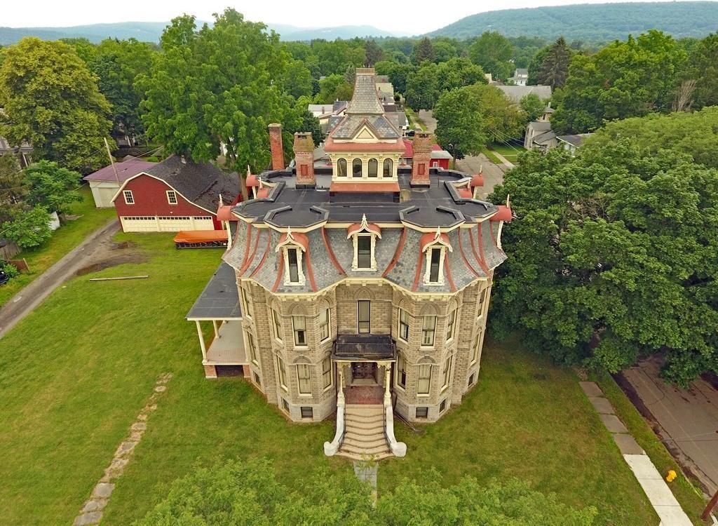 mansard castle